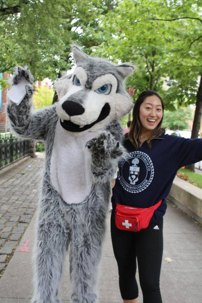 Orientation Week photo with mascot